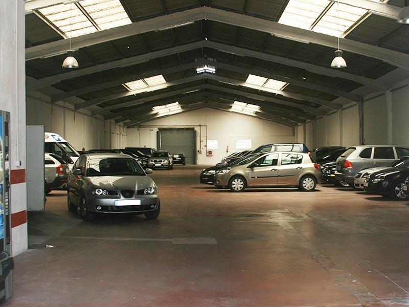 malaga airport parking indoor price